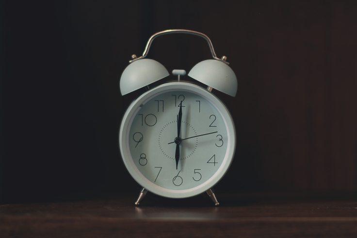 alarm-alarm-clock-analogue-2277923