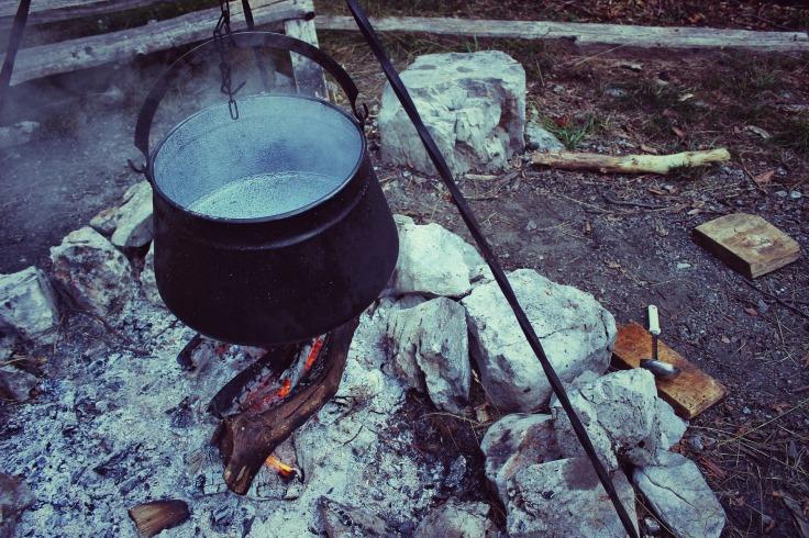 cooking-pot-1272635_1920